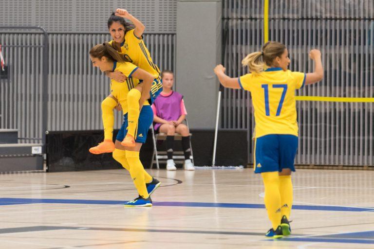 Seger i kvalpremiären för Sverige – mot gruppfavoriten