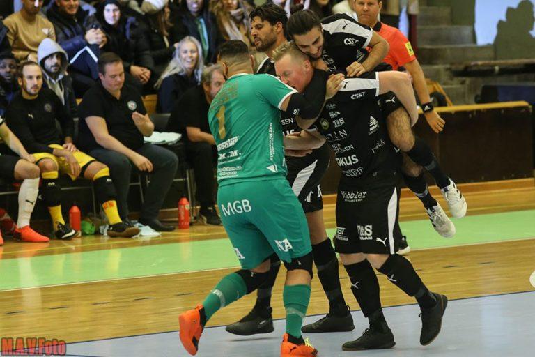 Uppgifter: Tränare närmar sig ÖFC – tar med sig spelare